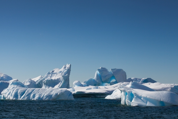 Culverville_Icebergs_Antarctica_Lucy Piper